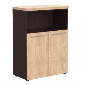 Шкаф с глухими малыми дверьми и топом